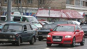 Чиновникам будут платить за использование личных авто в служебных целях