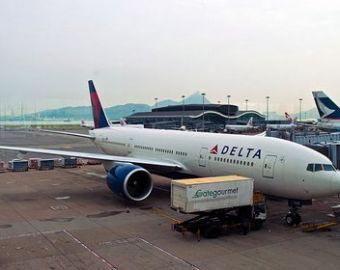 Американская авиакомпания Delta Airlines накормила пассажиров бутербродами с иглами